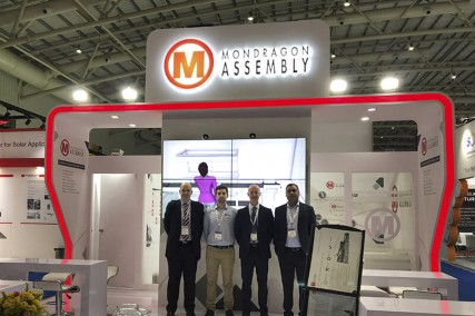 Mondragon Assembly presenta su tecnología en la feria Intersolar India